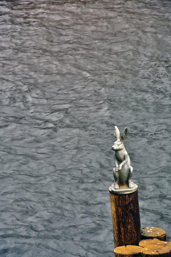 对一个野兔的纪念碑在彼得和保罗堡垒在圣彼德堡,俄罗斯 免版税库存图片