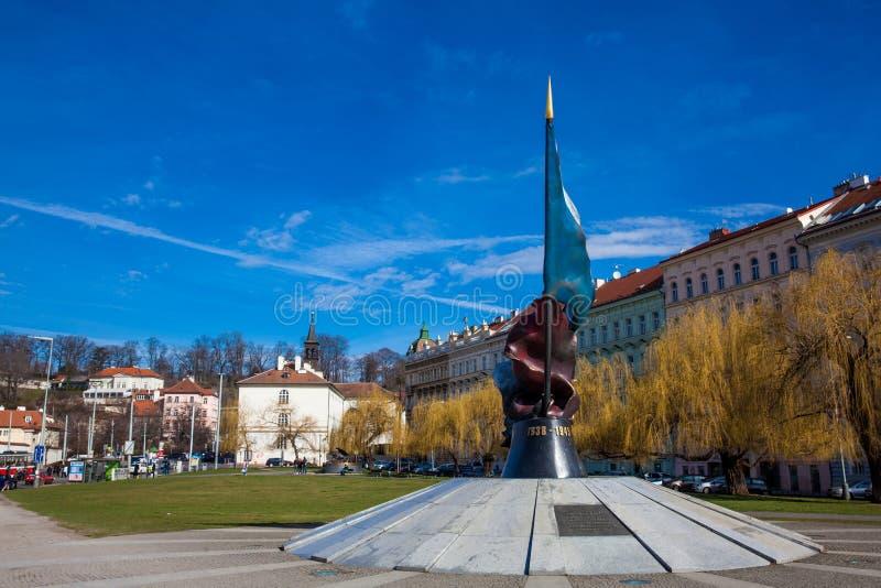 对下落的战士的纪念碑在二战期间在布拉格 免版税库存图片