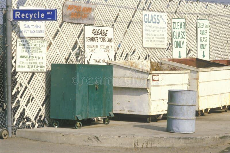 对下车区的与信息有关的符号recyclin的 库存照片