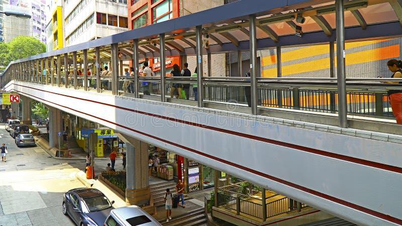 对中间水平自动扶梯的中央,香港 库存图片