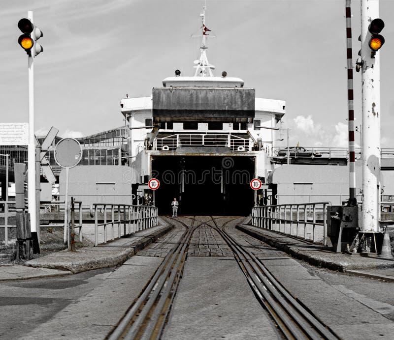 对丹麦支架和火车轮渡的入口 免版税库存照片