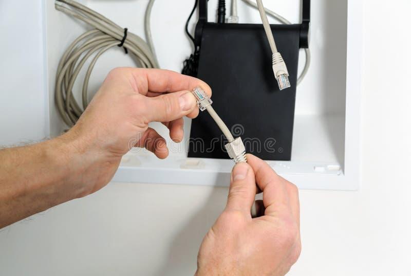对互联网的连接的Wi-Fi路由器 库存照片