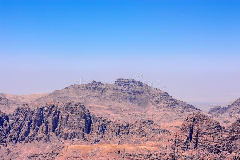 对亚伦坟茔在Petra附近,约旦的看法 库存照片