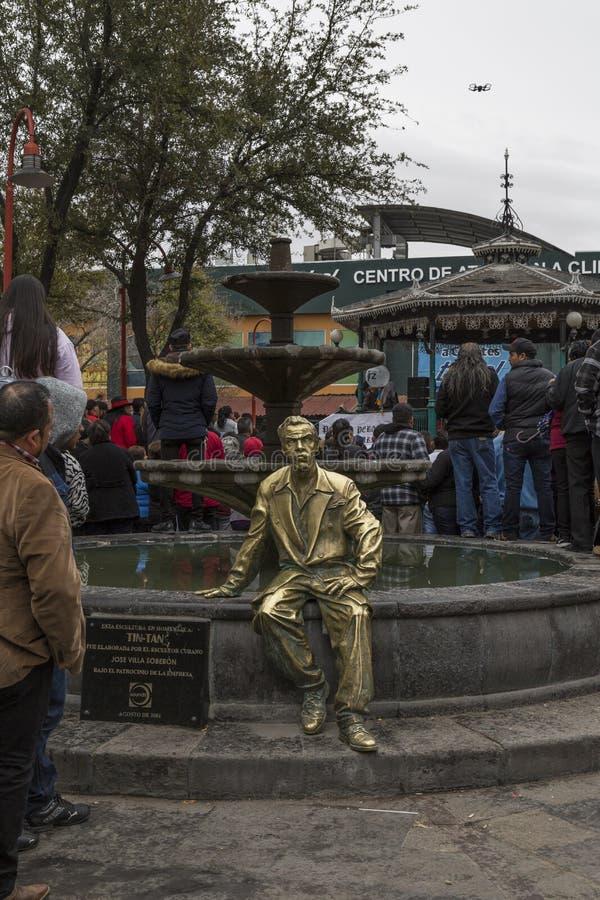 对位于城市的中心广场的德国巴尔德斯演员的纪念碑 库存照片