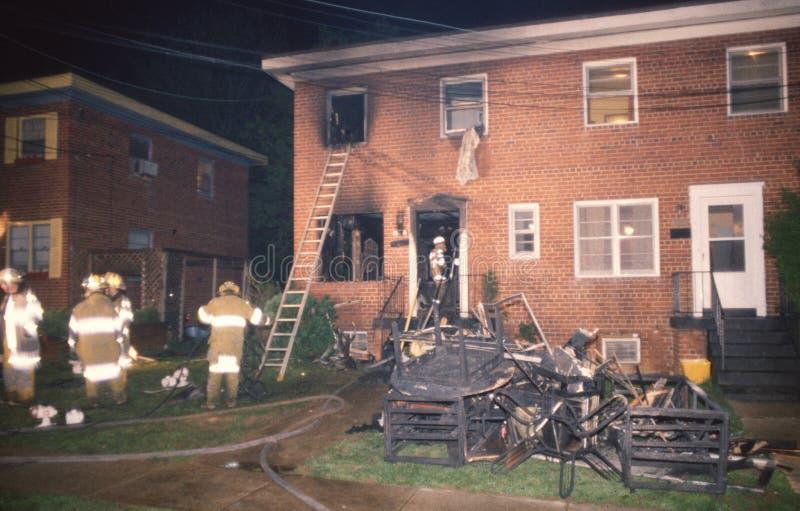 对修造在火以后的apartmrnt的损伤 图库摄影