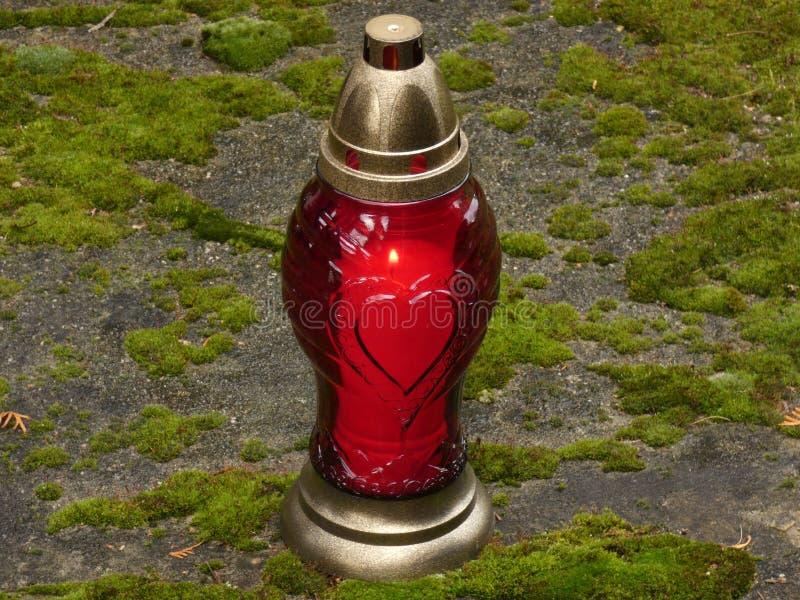 对光检查告密者红色爱所有灵魂`天 库存图片