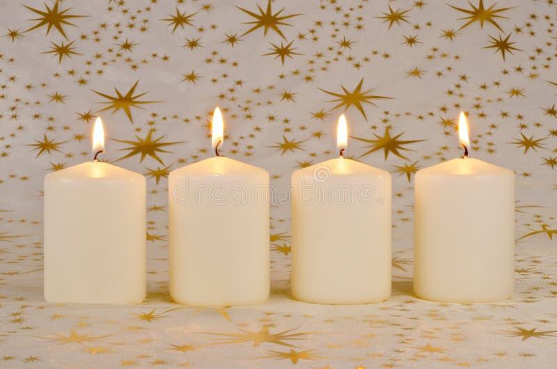 Download 对光检查圣诞节 库存照片. 图片 包括有 欢乐, 蜡烛, 短小, 季节性, 装饰, 圣诞节, 上色, 温暖 - 22352590