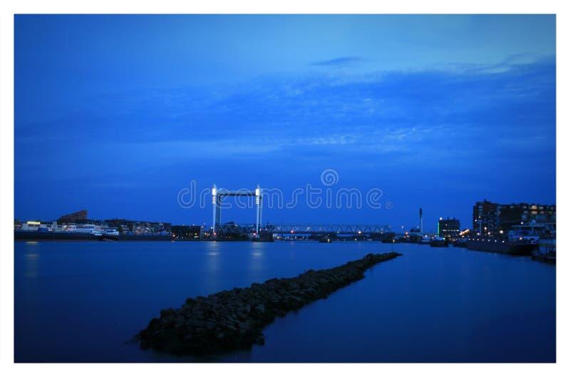 对兹韦恩德雷赫特桥梁的看法 免版税图库摄影