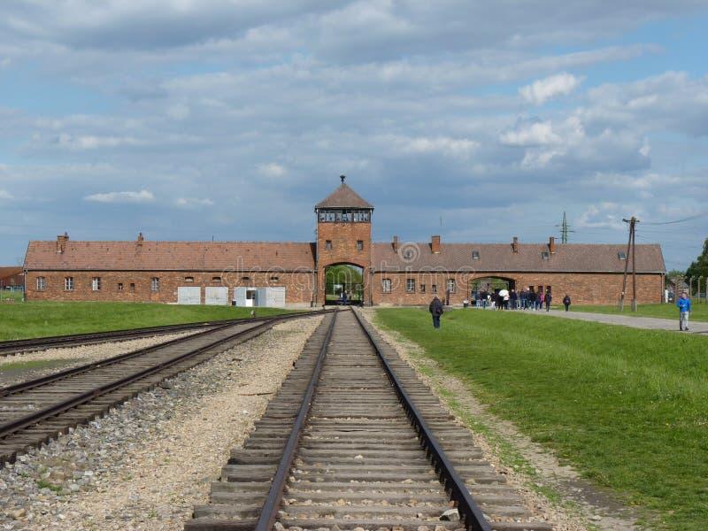 对前集中营的入口 auschwitz birkenau 图库摄影