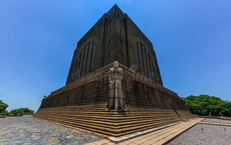 对南非荷兰语领导的纪念碑在Voortrekker纪念碑 图库摄影