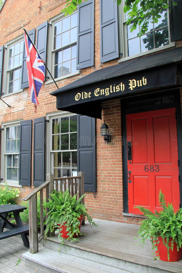 对历史的餐馆, Olde英国客栈,阿尔巴尼,纽约的正门, 2016年 库存照片