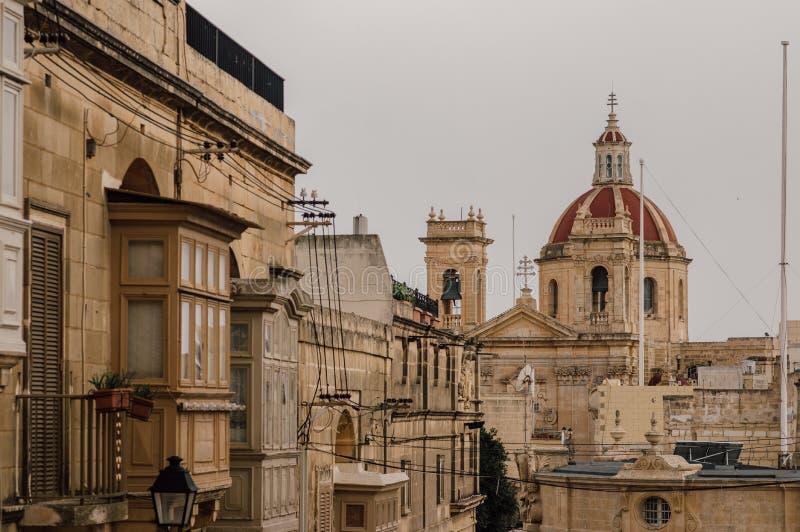 对圣乔治的大教堂的看法从奇塔代拉在维多利亚,马耳他 免版税库存照片
