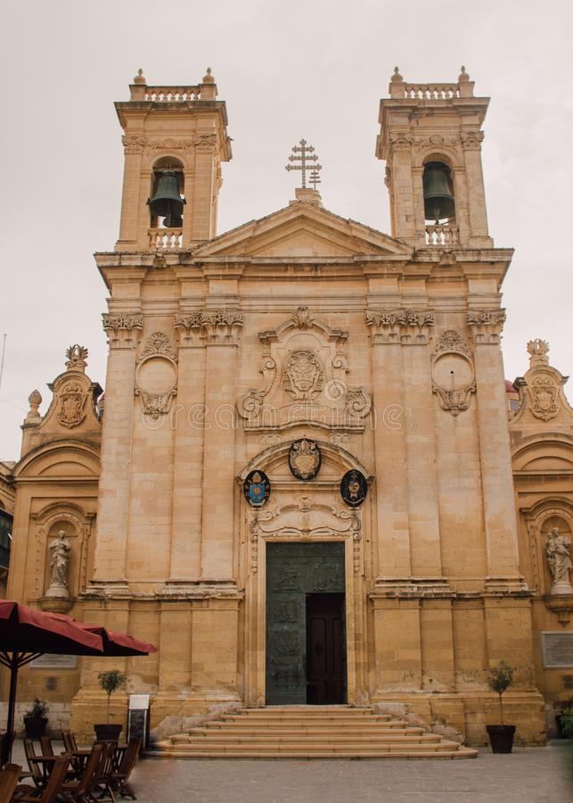 对圣乔治的大教堂的看法在维多利亚,马耳他 图库摄影