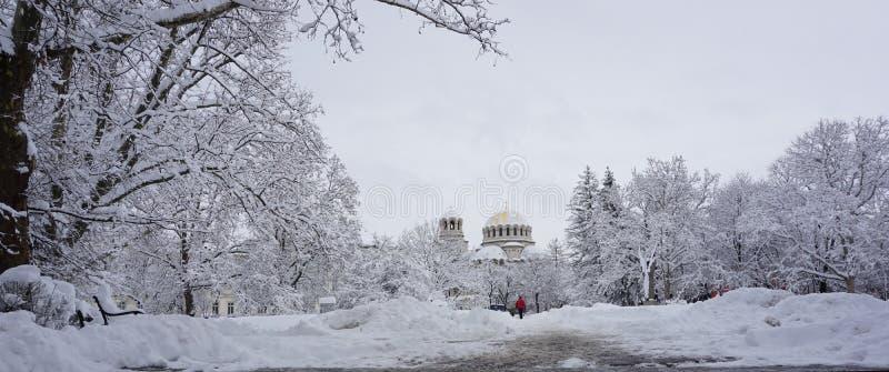 对圣亚历山大・涅夫斯基大教堂,索非亚,保加利亚的冬天神色 库存照片