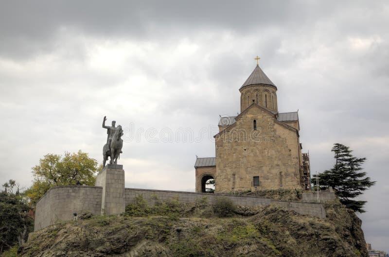 对城市沙皇Vakhtang Gorgasali和Metekhi寺庙的创建者的纪念碑 库存图片