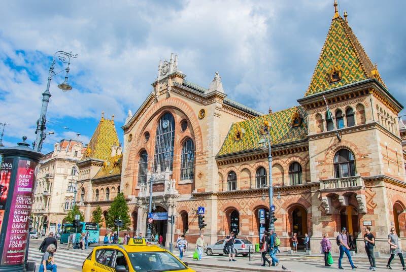 对城市的看法从历史建筑在布达佩斯 库存图片