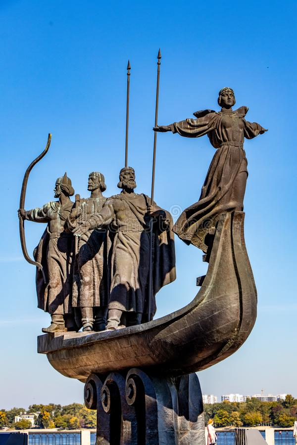 对基辅暗示面颊霍雷夫和Lybed基辅,乌克兰06的创建者的纪念碑 11 2018年 免版税库存照片