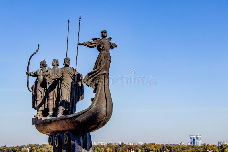 对基辅暗示面颊霍雷夫和Lybed基辅,乌克兰06的创建者的纪念碑 11 2018年 免版税库存图片
