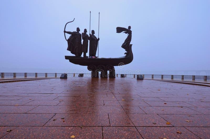 对基辅的创建者的纪念碑Dnieper堤防的 库存图片