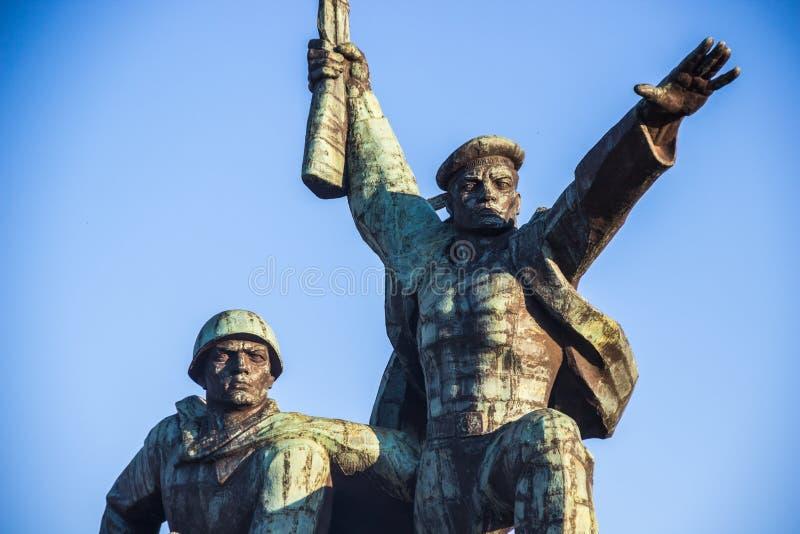 对塞瓦斯托波尔的英勇防御者的战士和水手纪念品 库存照片