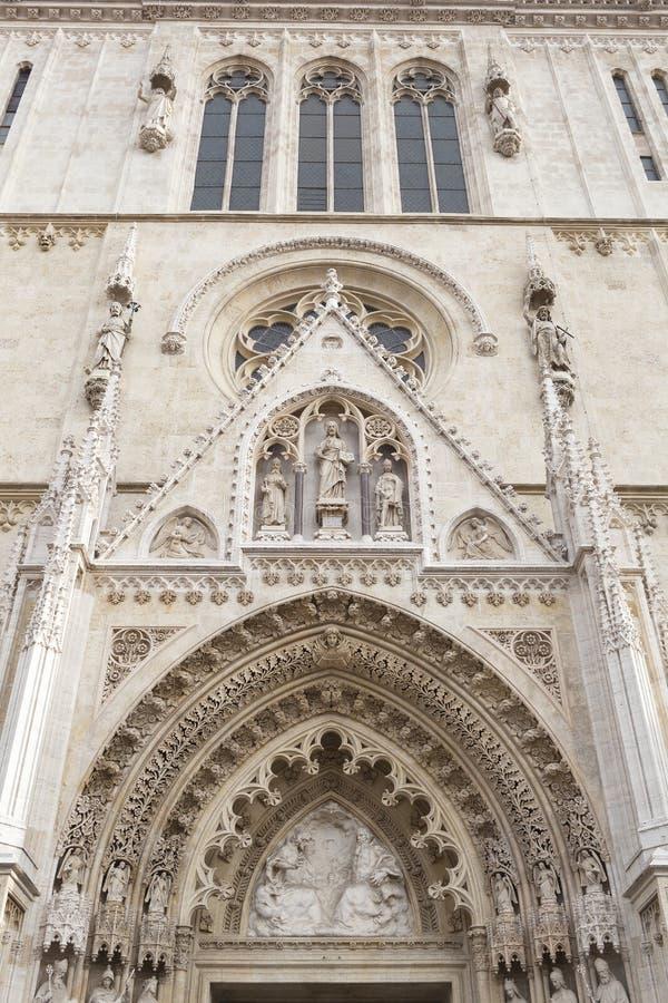 对大教堂的入口在萨格勒布,克罗地亚 免版税库存图片