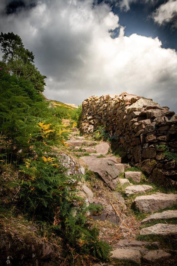 对天堂或石步的华美的楼梯在湖区国立公园在坎布里亚郡 免版税库存照片