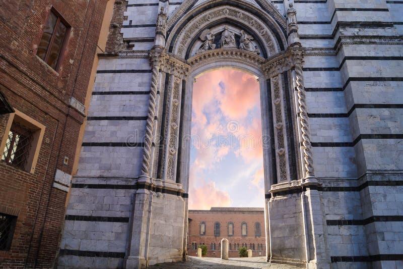 对天堂的门在意大利 库存图片
