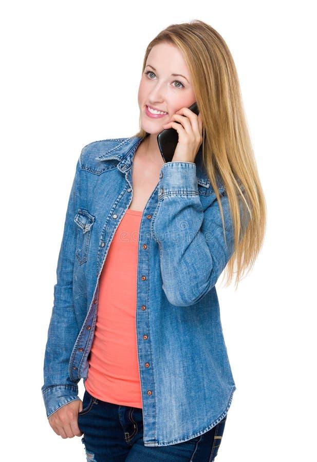 对妇女的移动电话谈话 免版税库存照片