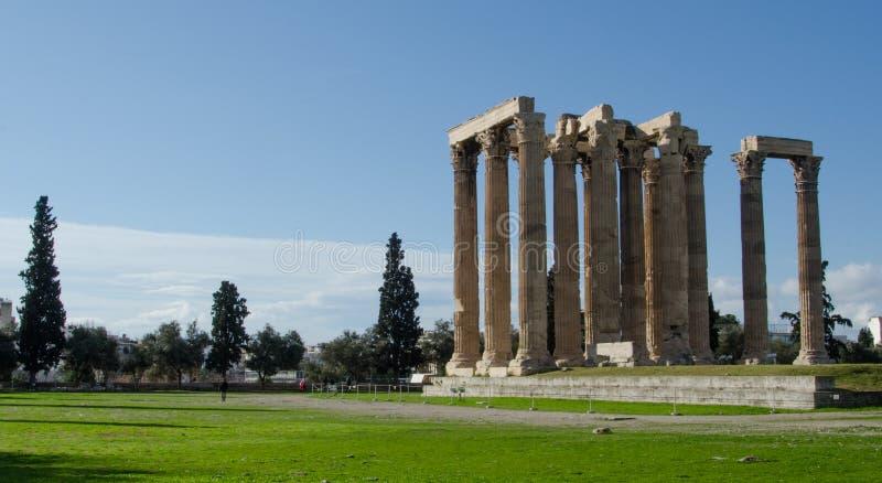 对宙斯的雅典巨大专用的神希腊国王奥林山被破坏的寺庙 图库摄影