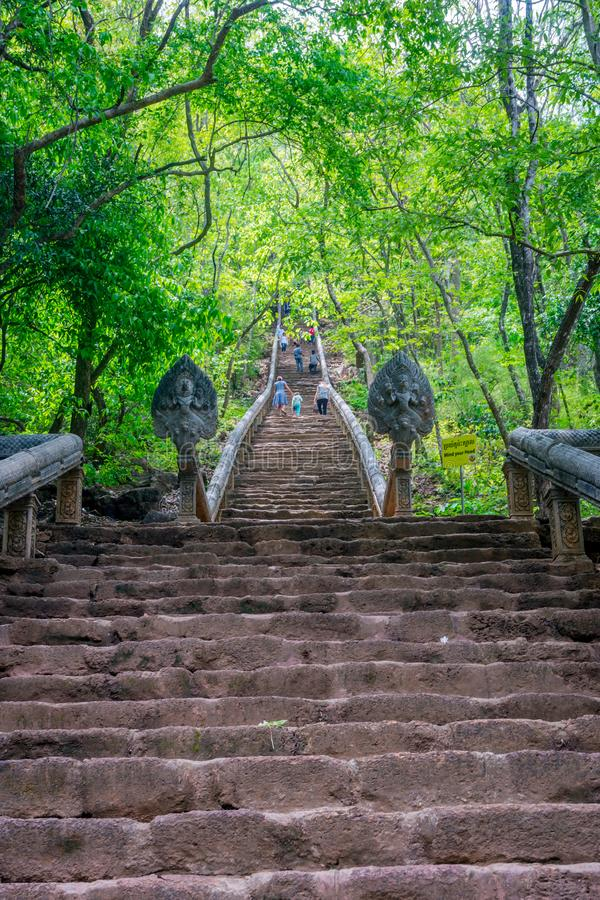 对寺庙,马德望的Wat巴南台阶 图库摄影