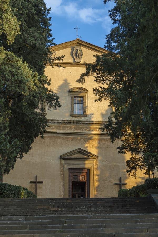 对小教会的入口小山的 库存图片