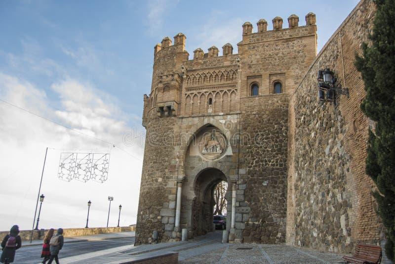 对市的历史的入口门托莱多西班牙 免版税库存图片