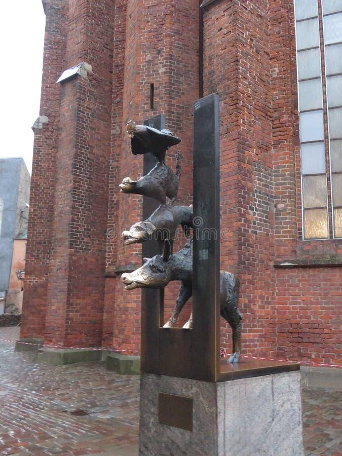 对布里曼镇音乐家的纪念碑在里加,拉脱维亚 免版税库存照片