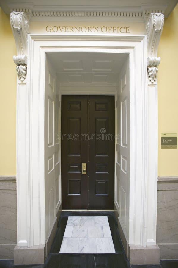 对弗吉尼亚状态国会大厦州长的办公室的门道入口 库存图片