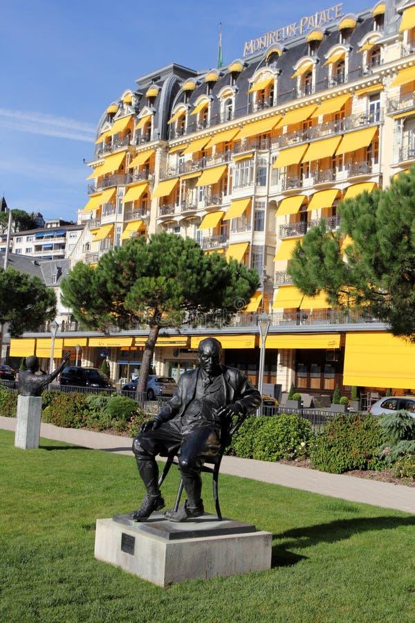 对弗拉基米尔弗拉基米洛维奇纳博科夫的雕象在蒙特勒 免版税库存图片