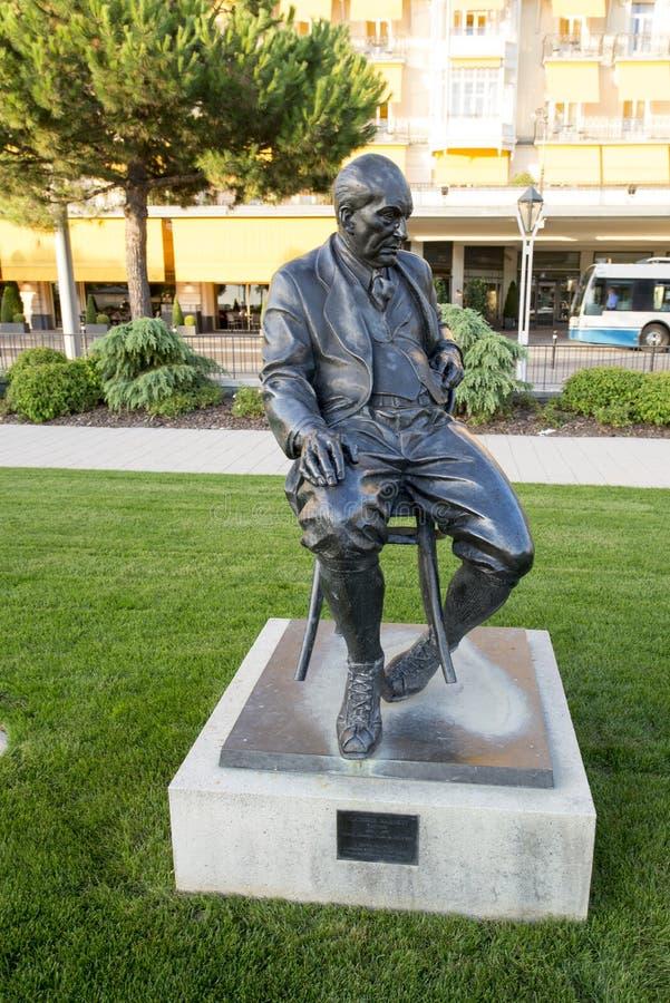 对弗拉基米尔纳博科夫的雕象在蒙特勒 免版税库存图片