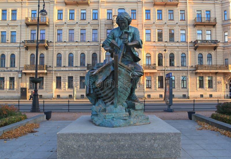 对彼得的纪念碑我海军部堤防国王木匠的 彼得斯堡俄国st 库存照片