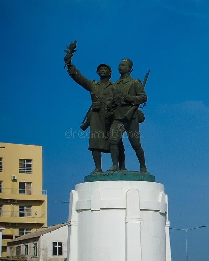 对战士弗朗西丝和Senegales的纪念碑散兵正方形的,达喀尔,塞内加尔 免版税库存照片