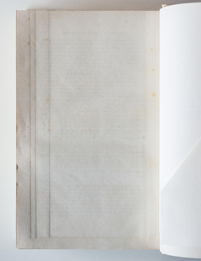 对最后页被打开的空白的书 库存图片