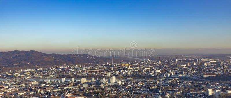 对林茨地平线的全景  免版税图库摄影
