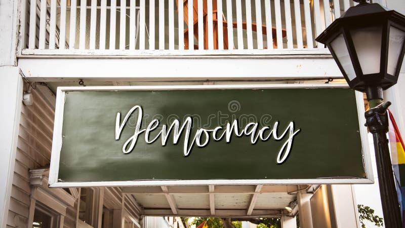 对民主的路牌 免版税库存照片