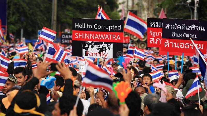 对民主纪念碑的泰国反政府抗议者集会 免版税库存照片
