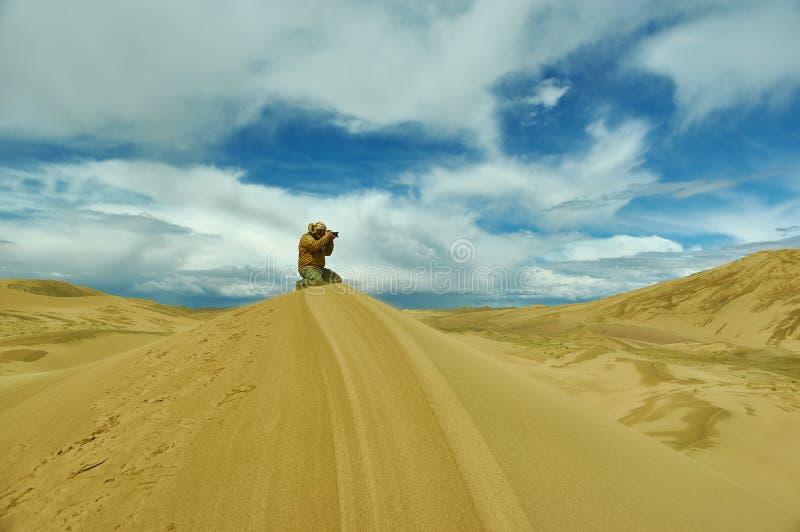 对沙丘的旅游采取的图片 库存照片