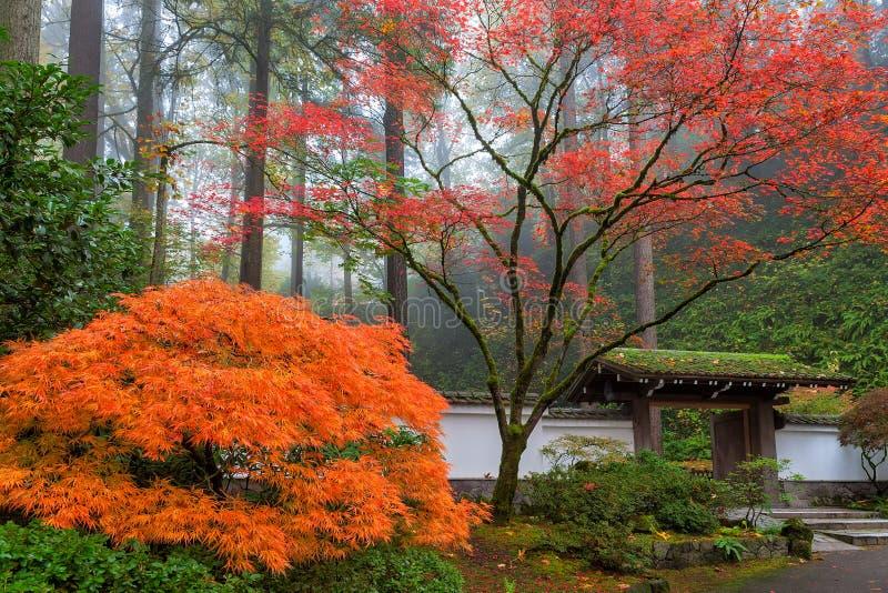 对波特兰日本人庭院的门户 免版税库存照片