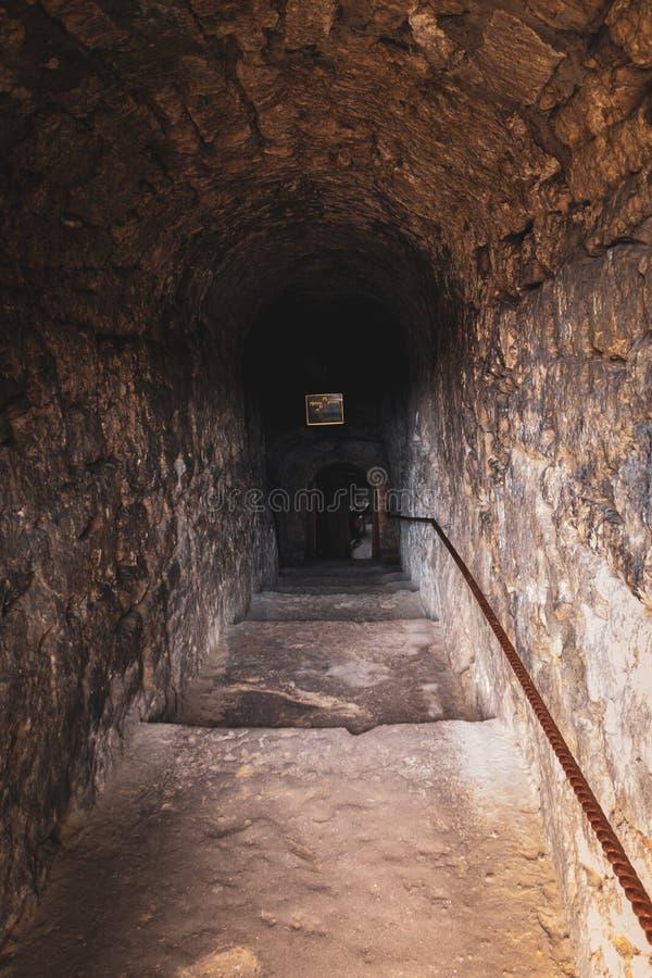 对洞的入口 库存照片