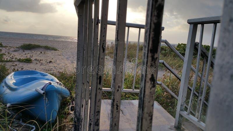 对海滩的步骤 免版税库存图片