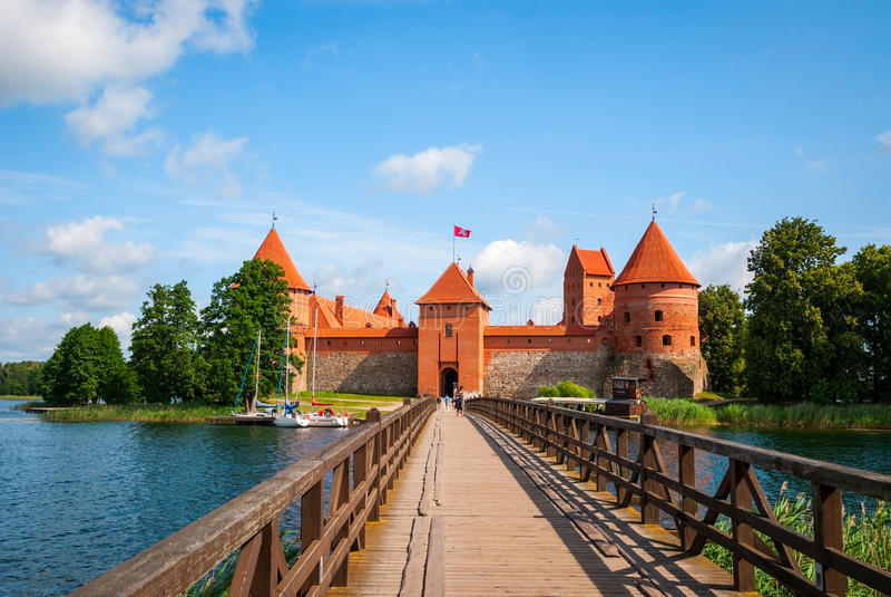Download 对特拉凯城堡,立陶宛的桥梁 库存图片. 图片 包括有 本质, 目的地, 文化, 哥特式, 著名, 立陶宛 - 62533685