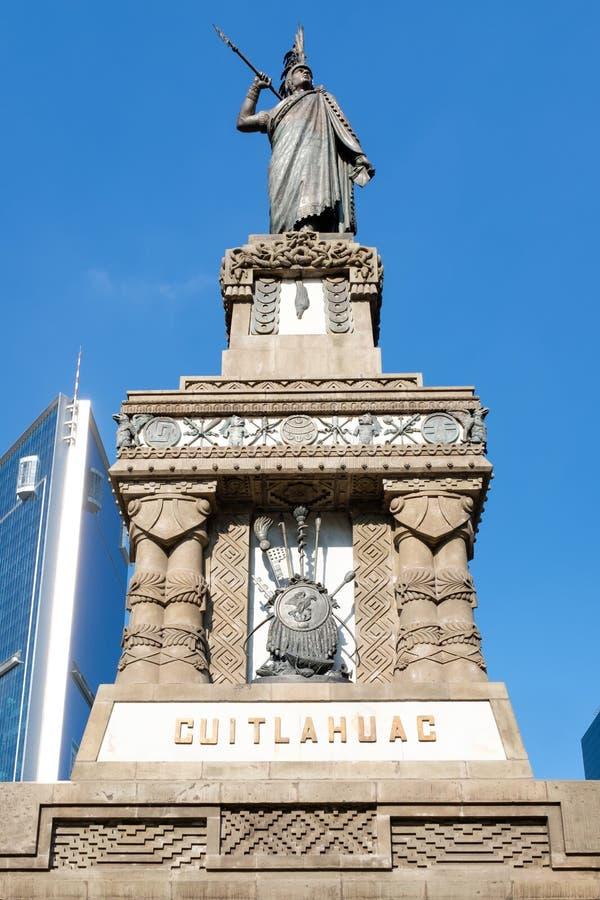 对瓜特穆斯的纪念碑改革大道的在墨西哥城 免版税库存图片