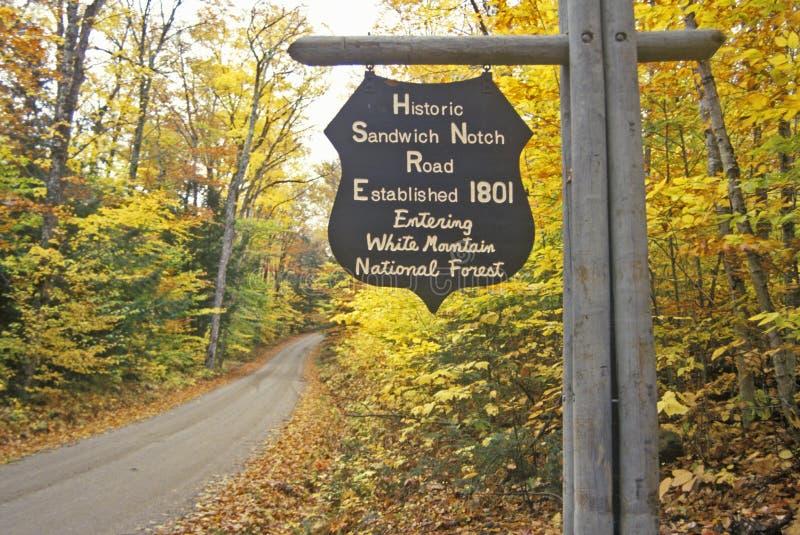 对白色山国家森林的入口历史的三明治山谷的, NH 免版税库存图片
