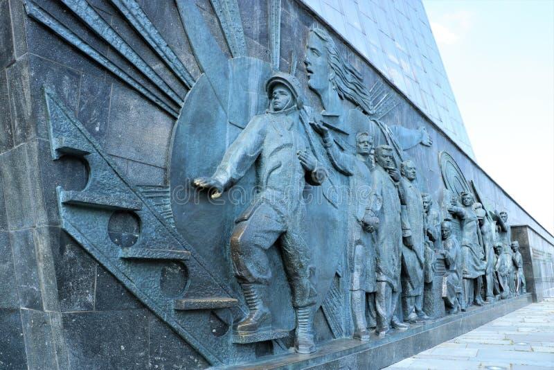对空间,莫斯科的征服者的纪念碑 库存照片